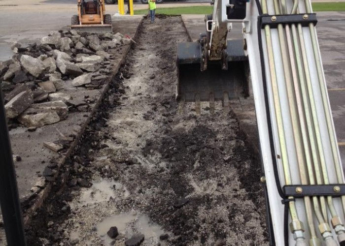 Concrete Reinforced landing pad for tractor trailers